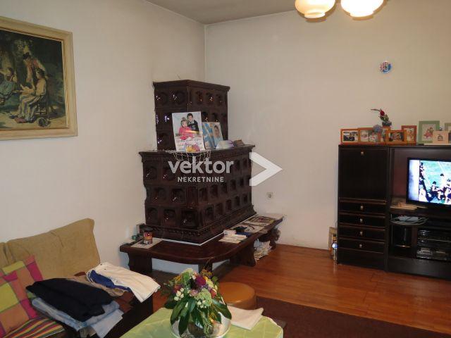 Stan, Marinići, 175m2, 3-soban s dnevnim boravkom, etaža