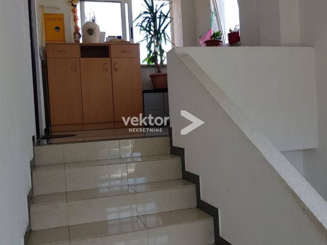 Stan, Ćikovići, 98m2, 3-soban s dnevnim boravkom