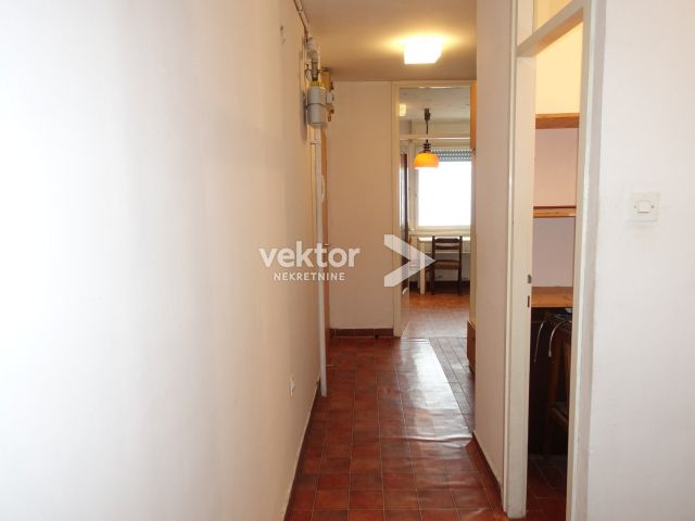 Stan, Podmurvice, 67m2, 2-soban s dnevnim boravkom