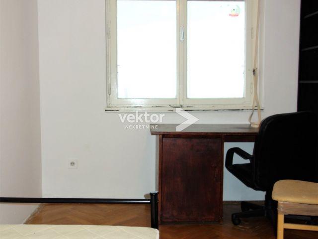 Stan, Krimeja, 68m2, 2-soban s dnevnim boravkom, pogled na more