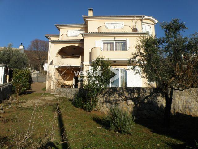 Kuća, Dramalj, 330m2, pet stambenih jedinica