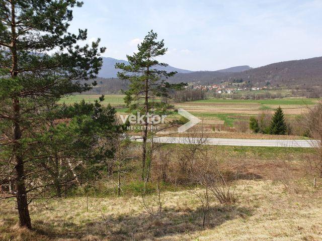 Ogulinski Hreljin, 5604m2 zemljišta sa starinom