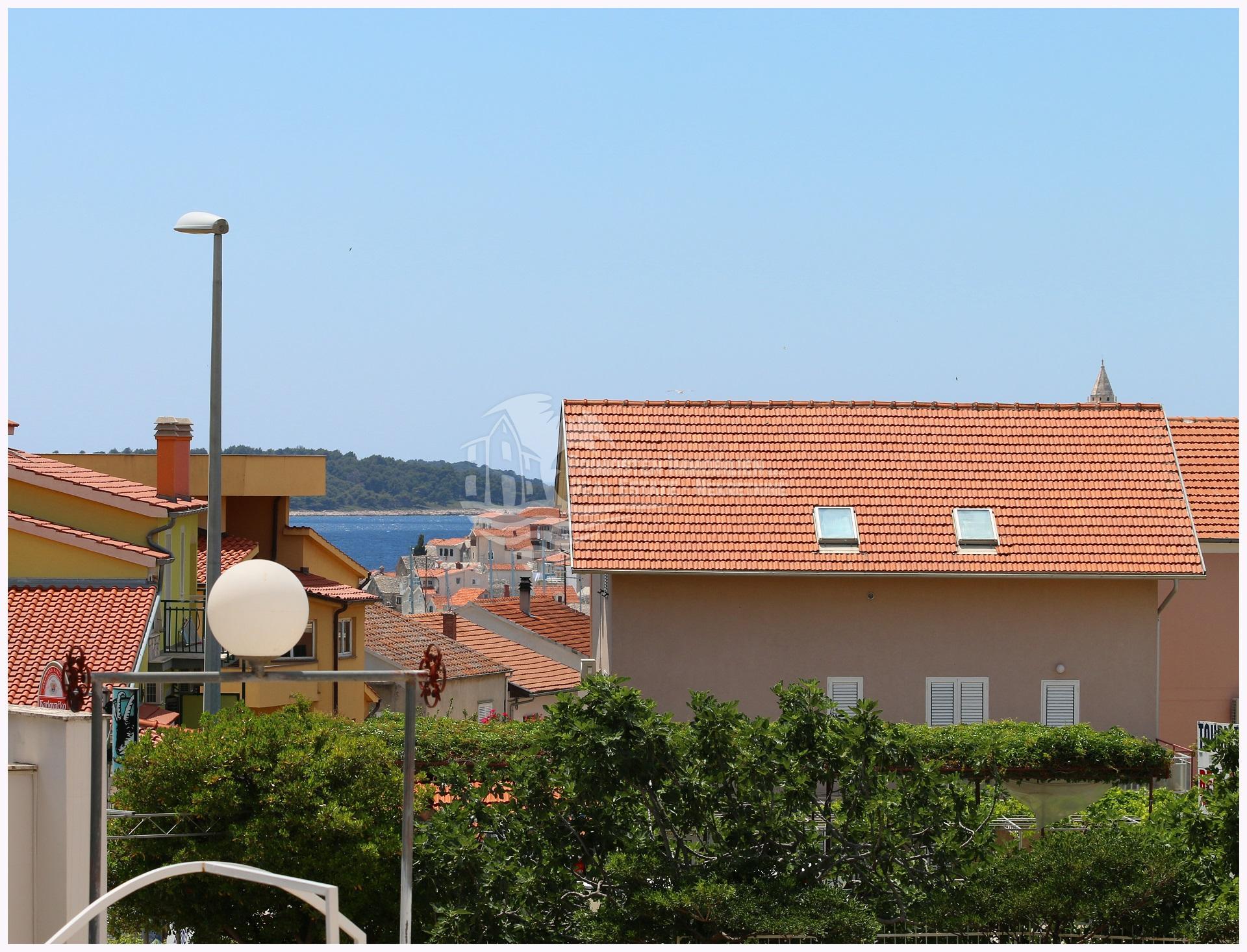Drei Zimmer Luxuswohnung mit 20 m² großer Terrasse