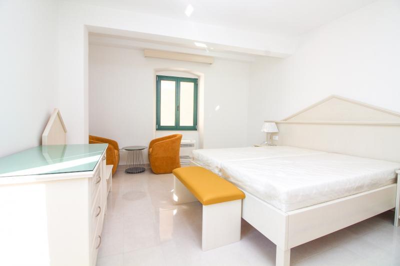 Repräsentatives, komplett saniertes Hotel mit 13 Zimmer
