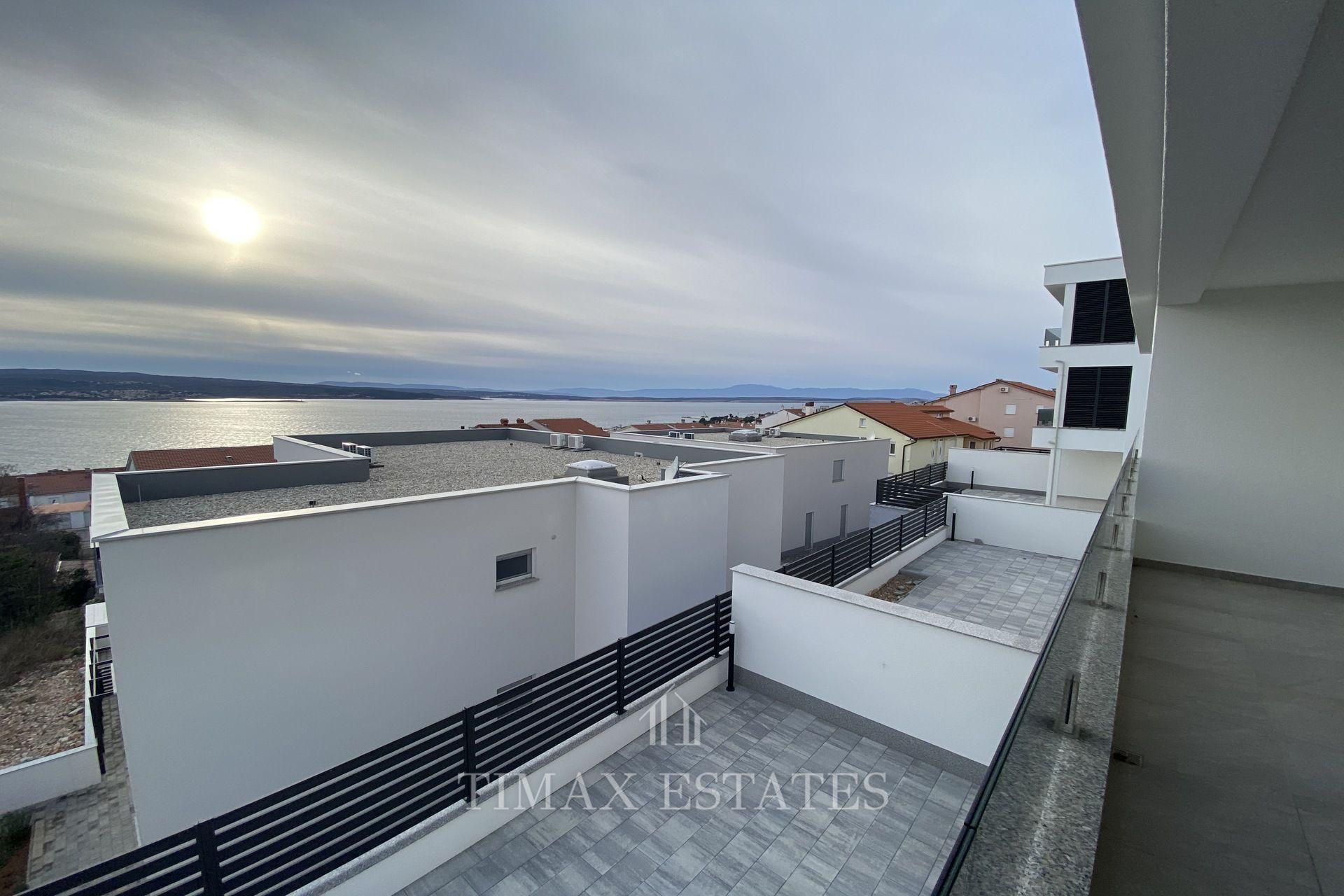 Crikvenica - luksuzna novogradnja, 80,13 m2 + ostava + VPM - 350m do mora