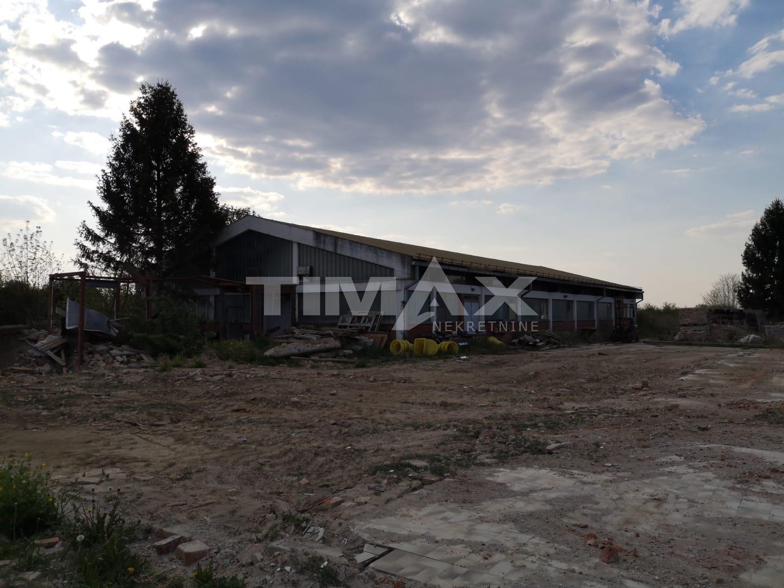 Poslovni prostor: Cerna - Županja, skladište 870 m2 + 11.466 m2 zemljišta