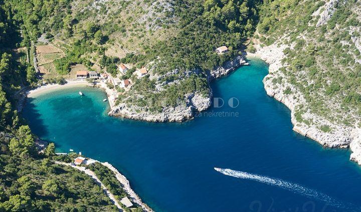 SNIŽENO Otok Hvar, uvala Mala Stiniva - 25 m od mora