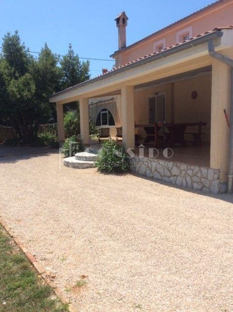 House Rasopasno, Dobrinj, 500m2