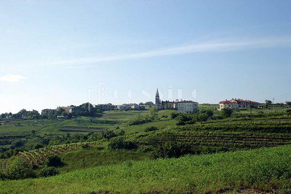 Otok Krk - Vrh - građevinsko zemljište (1200 m2)