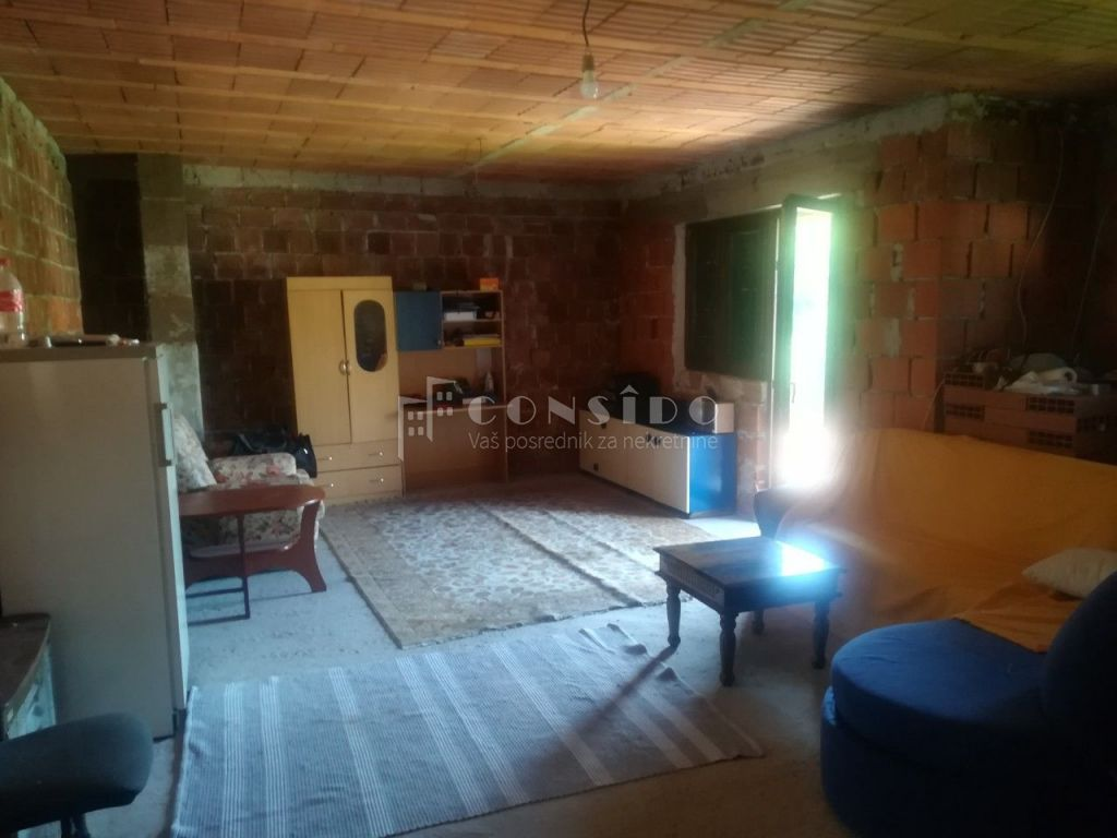 Jušići, dvojna kuća 468 m2