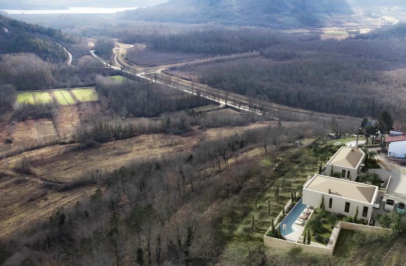 PROJEKT DVIJE LUKSUZNE VILE NA 43.000 m2 ZEMLJIŠTA