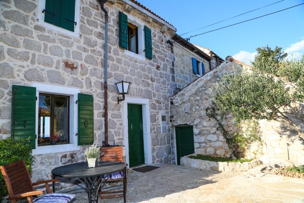 Island Hvar- Dalmatian stone house with a swimming pool
