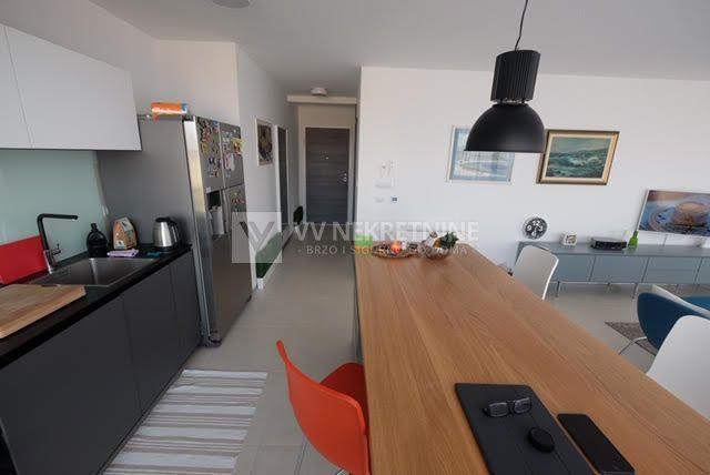 Malinska Rova - Luksuzan stan samo 150m od mora