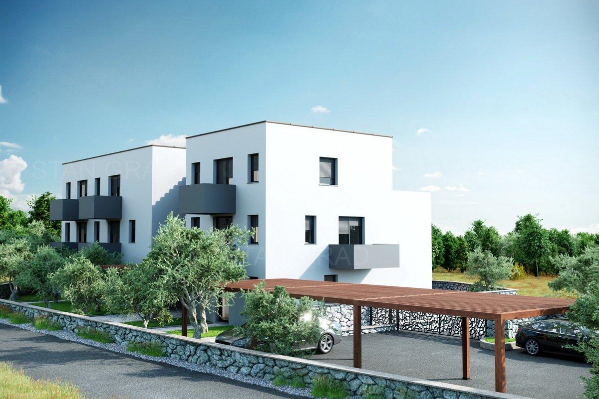 Malinska,ekskluzivan stan u prizemlju s okućnicom blizu mora