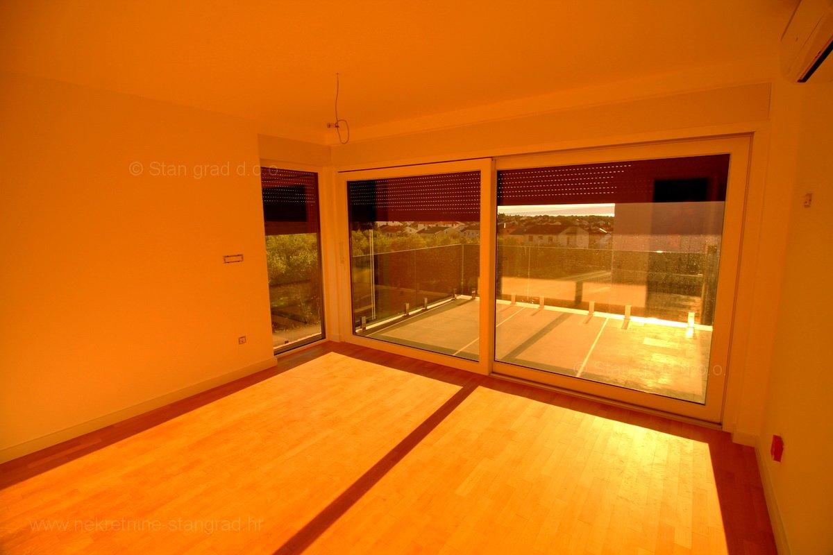 Punat, novogradnja, dvoetažni apartman s pogledom na more