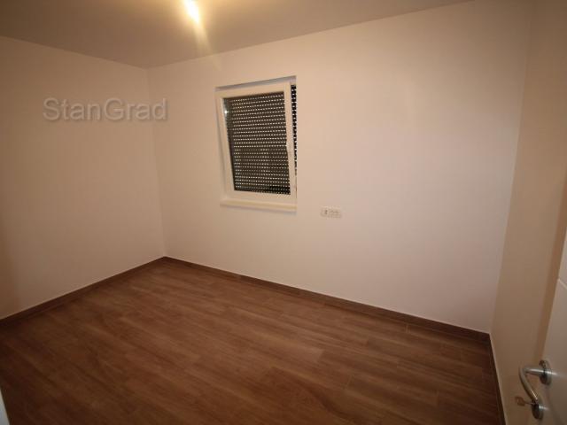GRAD KRK - NOVOGRANJA! Apartman na 1. katu + apartman u prizemlju s vrtom